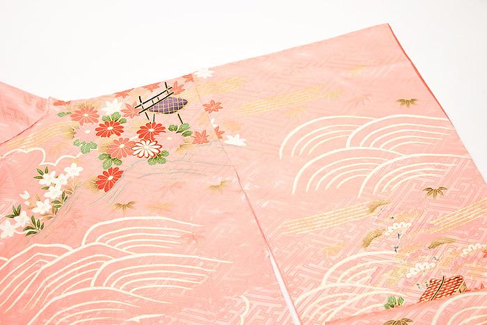 振袖、ピンク、紗綾形紋、御所車、右肩後画像
