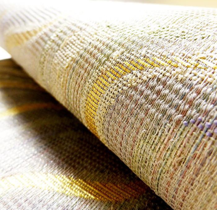 袋帯、本場奄美大島本泥染、網絲織、リバーシブル、表面生地の質感画像