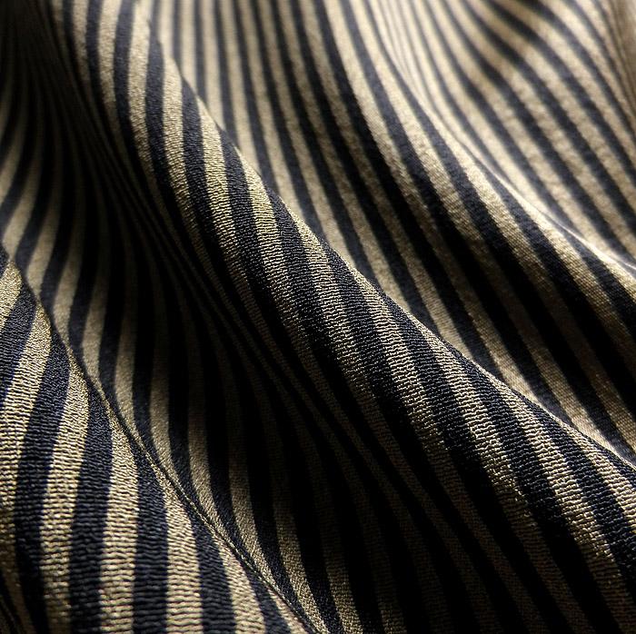 小紋、鶯茶系、縞、生地の質感画像