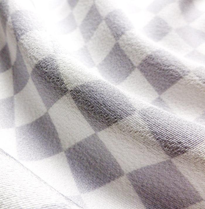 単衣小紋、ホワイトパープル、市松、生地の質感画像