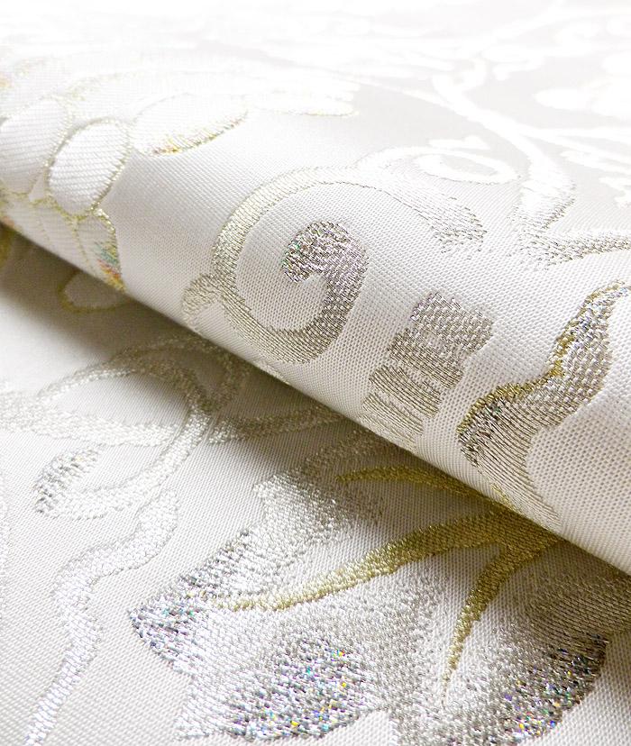袋帯、西陣織、六通、ホワイト、ぶどう唐草、生地の質感画像