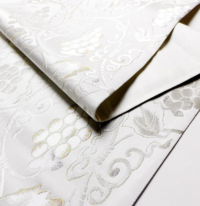 袋帯、西陣織、六通、ホワイト、ぶどう唐草、生地の厚み画像