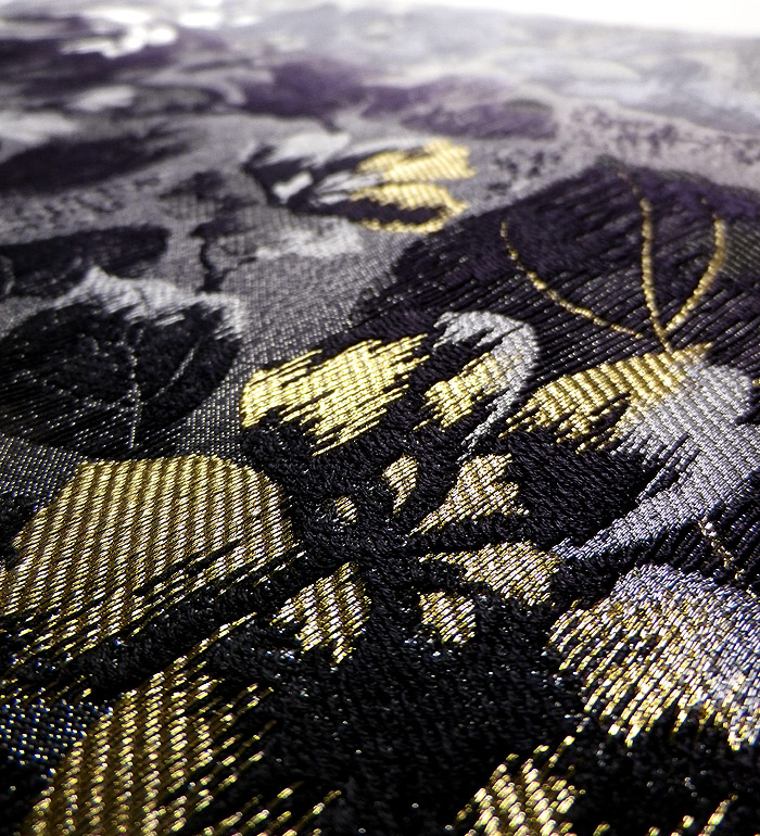 袋帯、西陣織、六通、灰紫花、生地のアップ画像